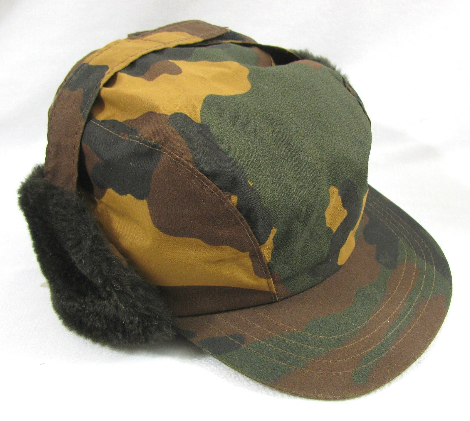 8ecd5b17a66 Vintage Tan Green Camo Medium Hat Ear Flaps 3M Thinsulate Hunting Cap  Camouflage
