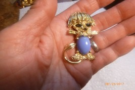 Vintage Goldtone Blue Jelly Belly Cabochon Faux Ruby Figural Dog Pin Brooch image 1