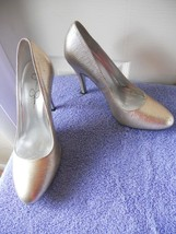 "Jessica Simpson Pumps Shoes Heels Gold & Silver Metallic sz 8B 4"" heels  - $23.09"