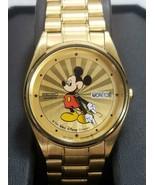 Seiko Mickey Mouse Montre avec Starburst Cadran Plaqué Or - $995.00