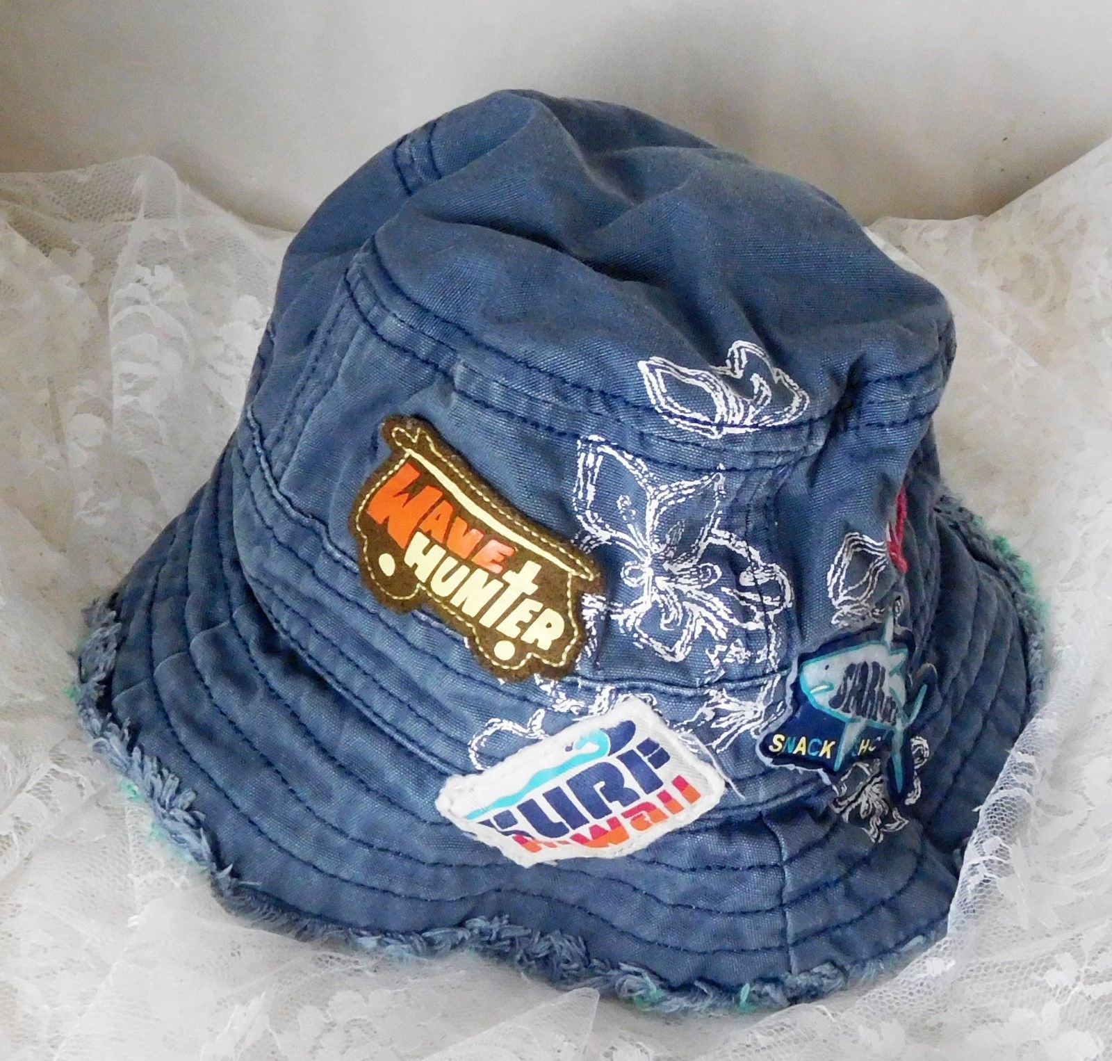 b42bab427d4 GAP Reversible Bucket Hat Size XS S 12-24 and 50 similar items. S l1600