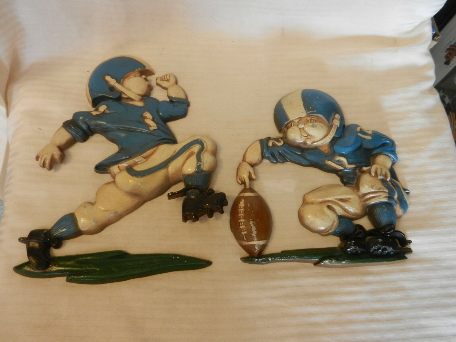 Pair of Vintage 1976 Homco Metal Football Players Wall Hanging Kicker & Holder - $44.55