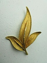 Vintage BSK Signed gold metal Art Deco Brooch Pin - $10.00