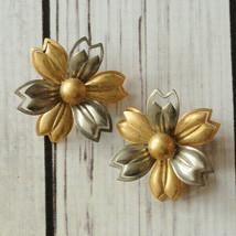 vintage silver gold flower clip earrings mid century midcentury - $7.91
