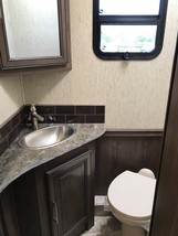 2019 Coachmen Sportscoach 404 RB For Sale In Davie, FL 33331 image 5
