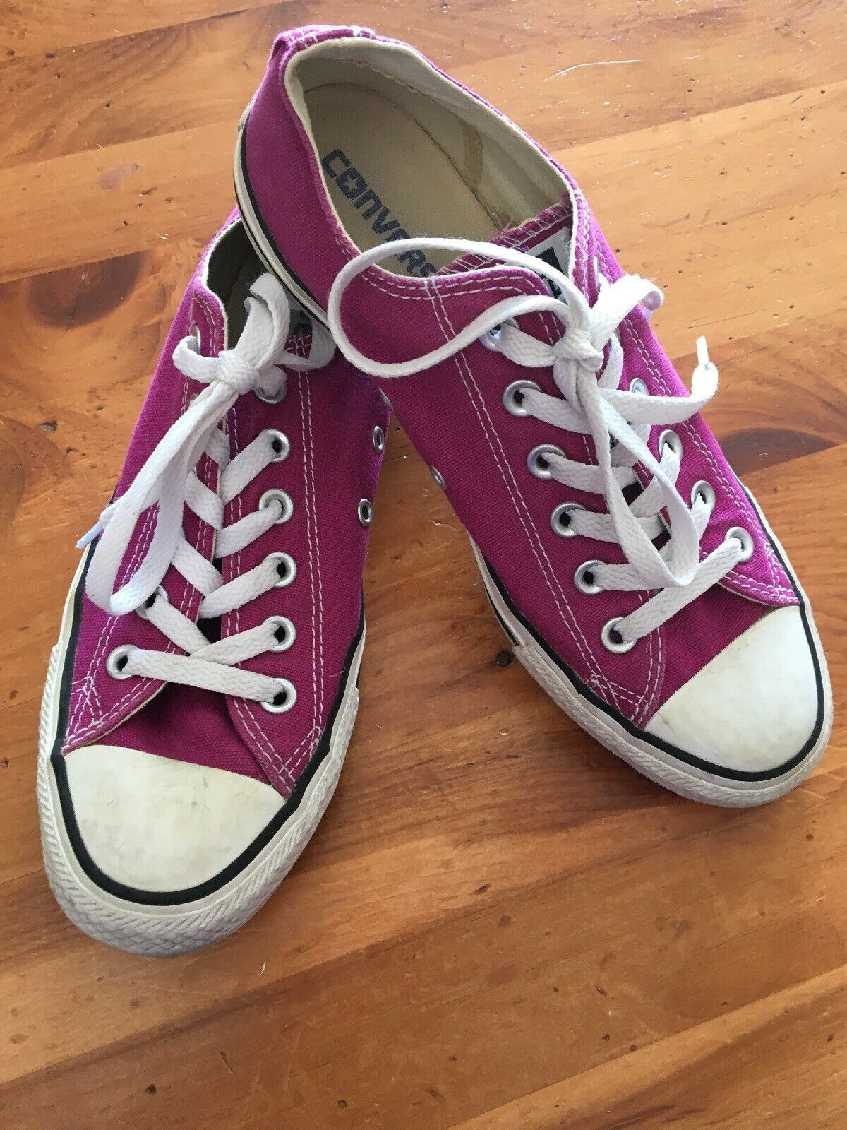 Primary image for Converse All Stars Low Tops Size 6 women's 8 Hot Pink Fuchsia Tennis Shoes