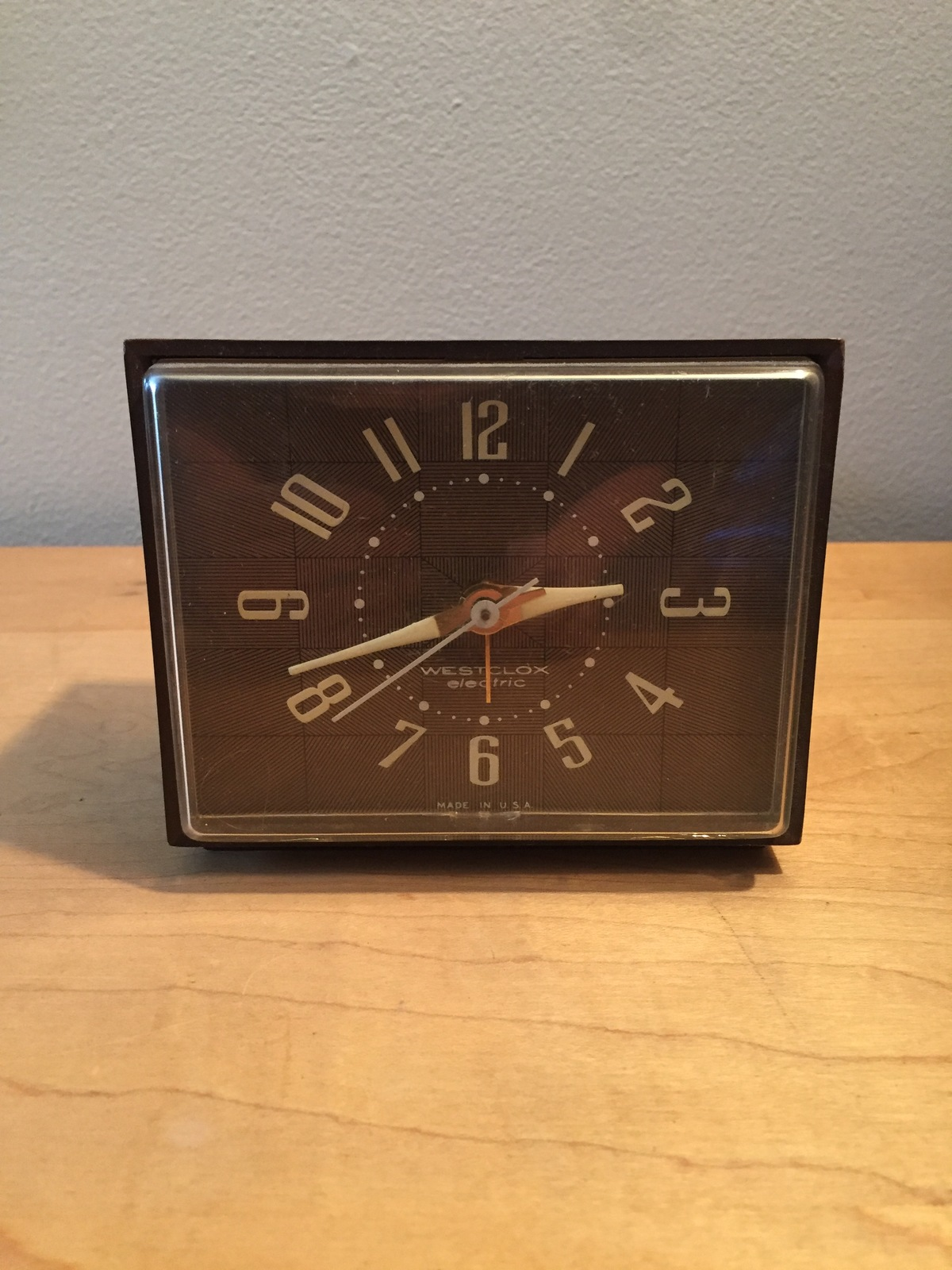 "Vintage 60s Westclox Electric ""Dunbar"" clock with sweep second hand and alarm"