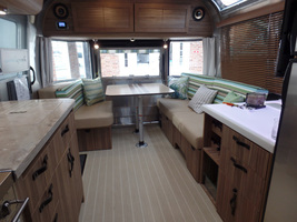 2017 Airstream Tommy Bahama For Sale in Macon, Georgia 31220 image 4