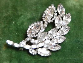 VINTAGE WEISS BROOCH PIN SILVER TONED METAL CLEAR CRYSTAL PRONG SET LEAF... - $149.99