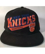New York Knicks Basketball New Era 9Fifty Snapback Hat Black - $14.85