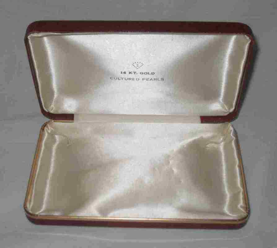 """Neat Vintage 6 1/4"""" X 4"""" Jewelry Box Only For Cultured Pearls 14 Kt. Gold"""