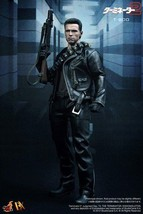 Hot Toys Movie Master Piece DX Terminator T2 1/6 Scale T-800 NEW - $649.59