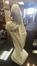 Vintage 1964 Universal Statuary Chicago Entwined Lovers Kissing Couple - $29.99