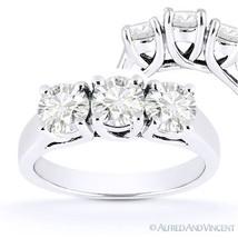 Forever One D-E-F Round Cut Moissanite 3-Stone Engagement Ring in 14k White Gold - €778,52 EUR - €2.100,21 EUR