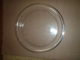 2 Vintage Pyrex 10 inch Clear Pie Plates 210 HTF Size Pies Tarts Quiche image 3