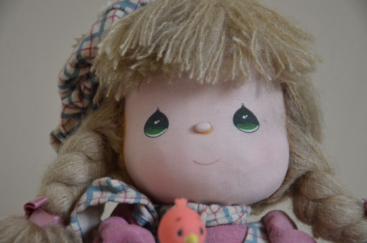 Precious Moments 1988 Wind Up Musical Doll Limited Edition Let It Snow Winter