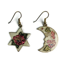 Vtg Cloisonne Dangle Earrings Pierced Star Moon Floral Ivory Gold Tone E... - $11.99