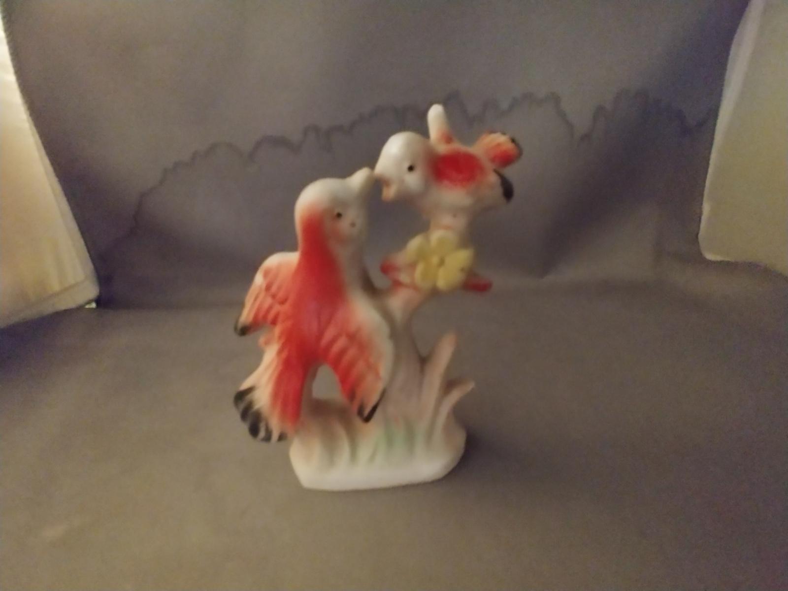 Vintage Cardinal Mommy Bird feeding Baby Figurine
