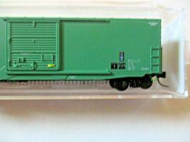 Micro-Trains # 18000230 Conrail 50' Standard Boxcar N-Scale image 3