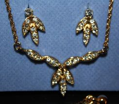 2003 AVON Rhinestone Cluster Necklace & Earrings Set~Clear Stones/Gold Tone NIB - $8.89