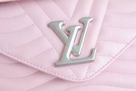 100% AUTH Louis Vuitton PINK NEW WAVE CHAIN EPI Leather MM Shoulder Bag image 5