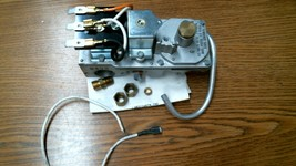 #2002 White Rodgers 25K49A-1 115V 60Hz .116A Gas Valve CRV-FREE Shipping!! - $148.75