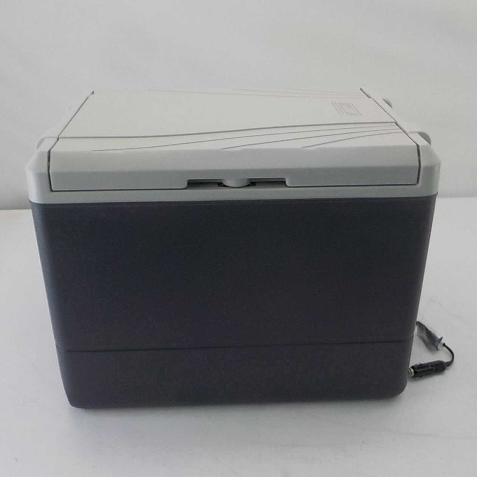 Portable Thermoelectric Cooler 40 Quart Office Dorm Rooms Chest Storage Compact