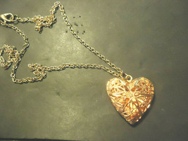 HEART LOCKET NECKLACE  (14533)         TRACKING REQUIRED - $3.95