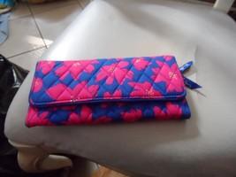Vera Bradley trifold Wallet In Art Poppies - $29.00