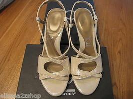 You by Crocs Babasita Oro 10.5 Zapatos Piel Tiras Mujer Nuevo ^ - $24.74