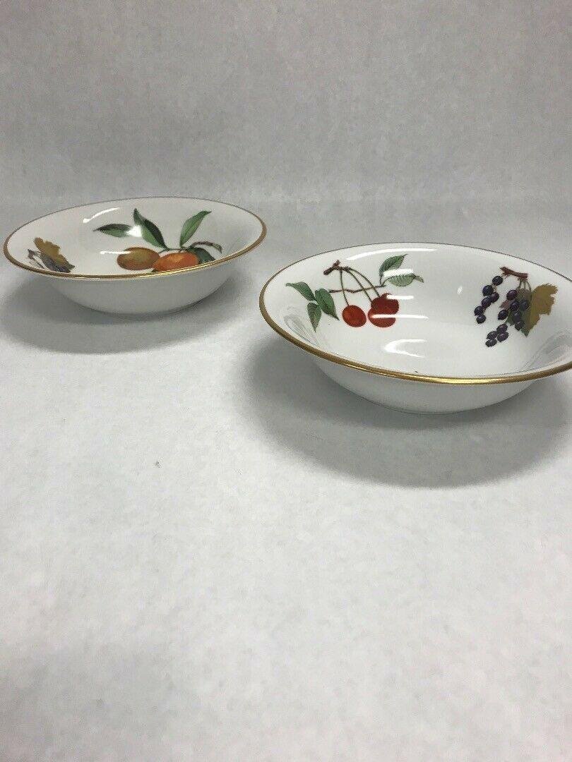 ROYAL WORCESTER Vintage Pair Evesham soup cereal bowls gold edge 1961 dish