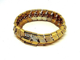 Vintage LISNER Gold Tone Wide Bracelet Excellent Condition - $23.24