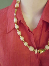 NAPIER NECKLACE GOLD TONE and POLISHED MILKY MARBLEIZED CHUNKY BEADS VIN... - $9.49