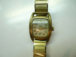 Hamilton With Waltham 8/0 B 17 Jewels Movement Watch For Restore Or Parts - $140.29