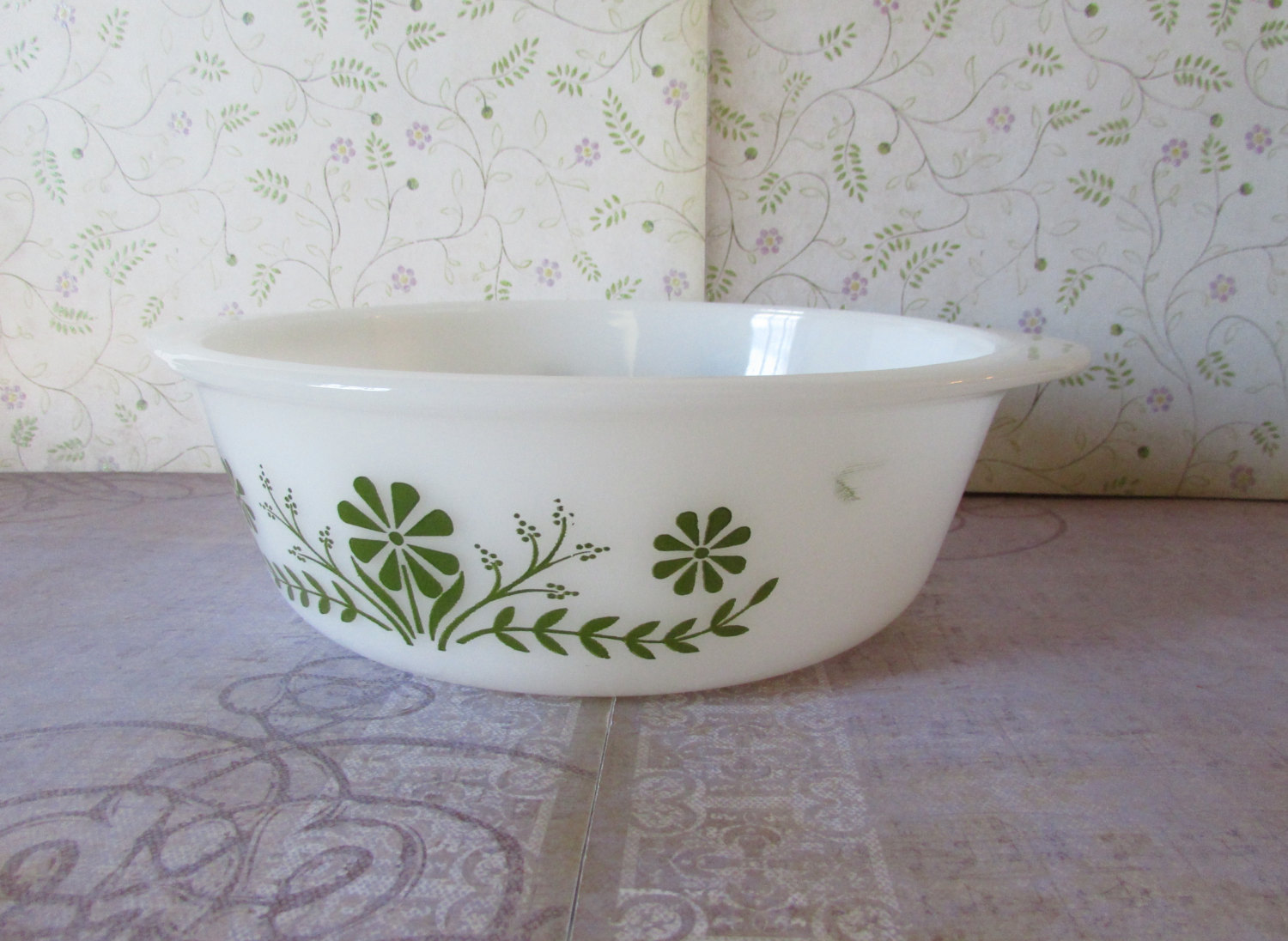 Vintage Glasbake 1 1/2 Quart Casserole with Olive Green Daisies J2600