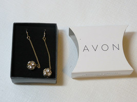 Ladies Womens Avon Sparkle Linear Earrings Goldtone F3360031 NIP - $16.02