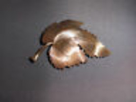 Vintage Satin Matte Gold Tone Ornate Leaf Pin Brooch image 2
