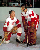 Gordie Howe Terry Sawchuk Detroit Red Wings TKK Vintage 18X24 Color Hockey Photo - $34.95