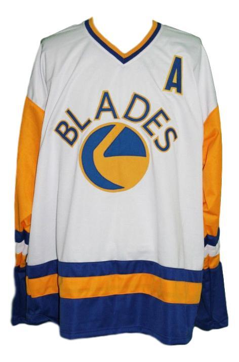 Saskatoon blades retro hockey jersey white kelly chase   1