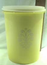 Vintage Tupperware 811-6 Yellow-Gold Large Servalier Nesting Canister w/Lid - $14.95