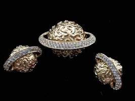 80s Vtg Sphinx Chunky Textured Gold Plate Rhinestones Pave Orb Star Sput... - $186.00