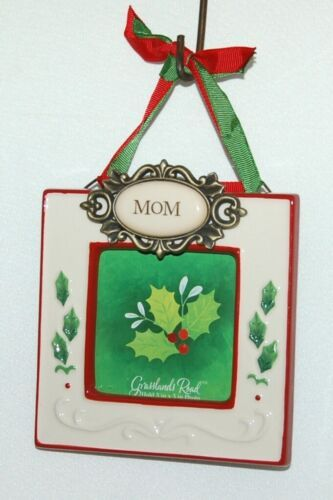 Grasslands Road 455179 Mom Christmas Picture Frame Colors Red and White