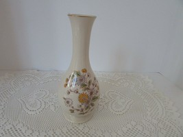 "VTG LENOX CHINA BUD VASE 8"" MADE IN USA IVORY WITH DAISIES ""SPECIAL""  - $14.80"