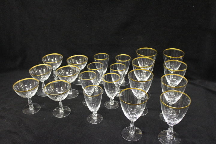 Set of 21 Pieces of Aurora Fostorial Crystal Gold Rim Glasses Various Sizes