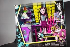 Monster High Draculaura set NIB - $22.99