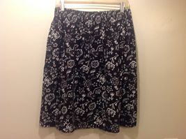 Cynthia J Black Skirt w White/Red Floral Design Sz 1X image 4