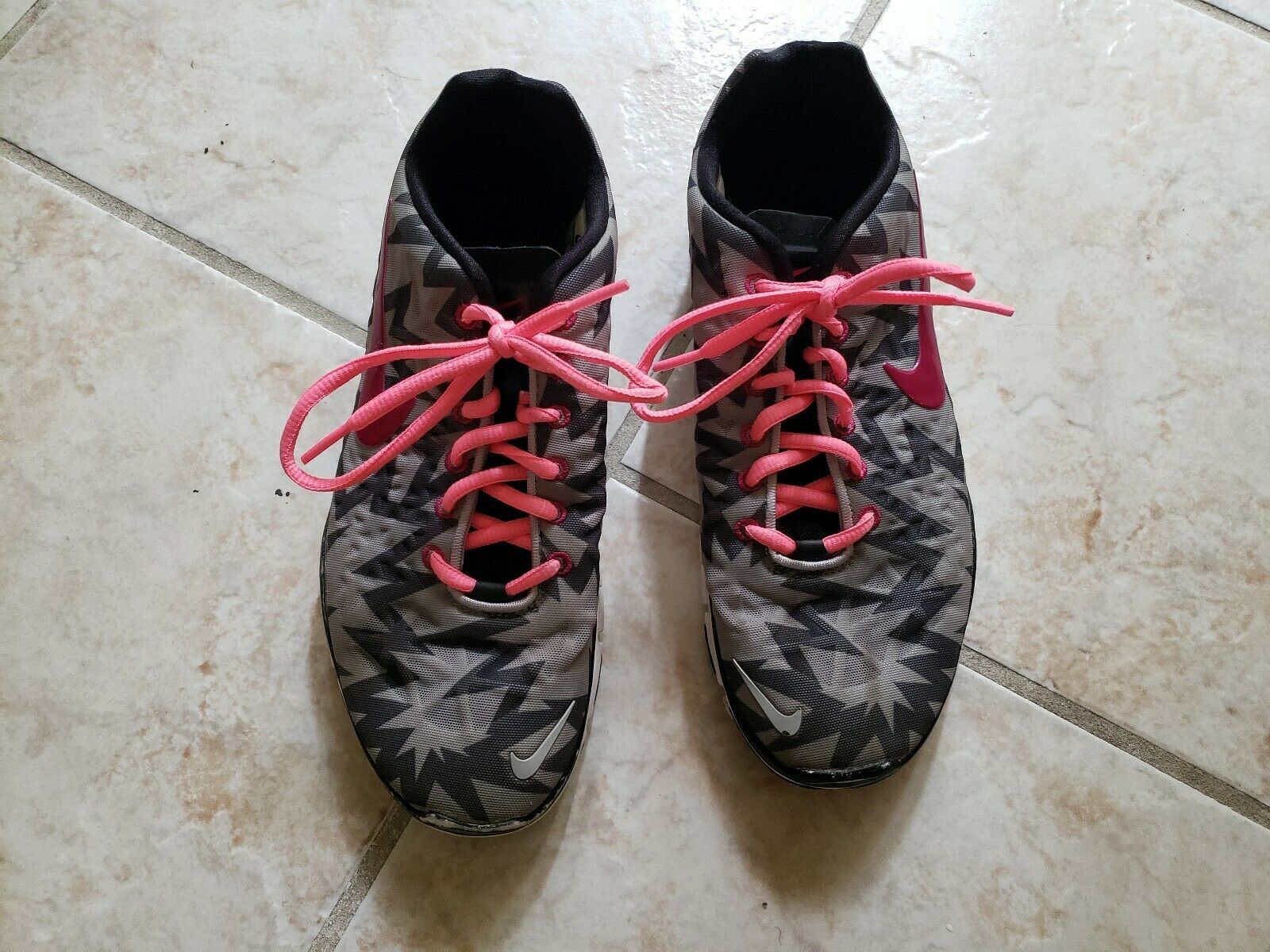 Nike Free Running Athletic Lace Up Pink/Grey Zig Zag Sneaker Shoes Womens Sz 8.5