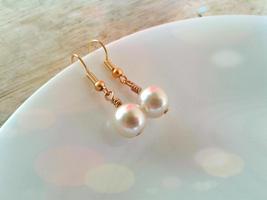 Classic White Pearl Earrings Creamy White Glass Pearl Earrings Bridesmai... - $18.00