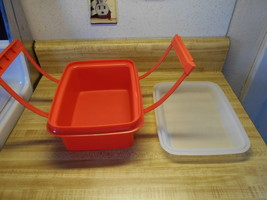 vintage tupperware lunch box or ice cream keeper - $12.30