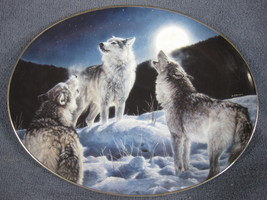 Canyon Moon Collector Plate Winter Shadows Nancy Glazier Bradford Wolves - $21.95